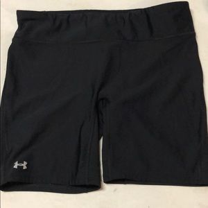 Under Armour compression shorts women's Large